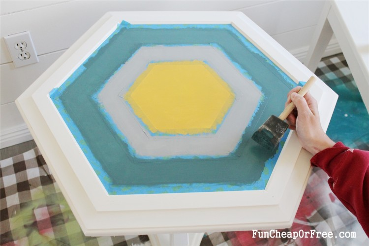 DIY Chalk paint-Hexagon table (10)
