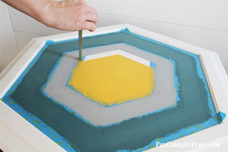 DIY Chalk paint-Hexagon table (11)