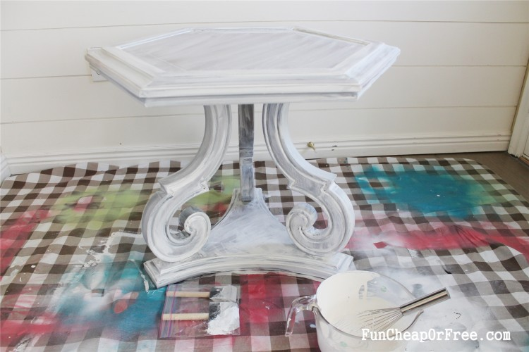 DIY Chalk paint-Hexagon table (17)