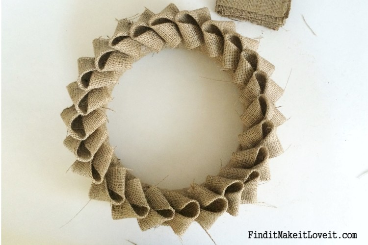 DIY Petal burlap wreath (9)