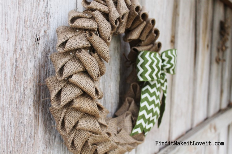 Petal Burlap Wreath DIY (3)