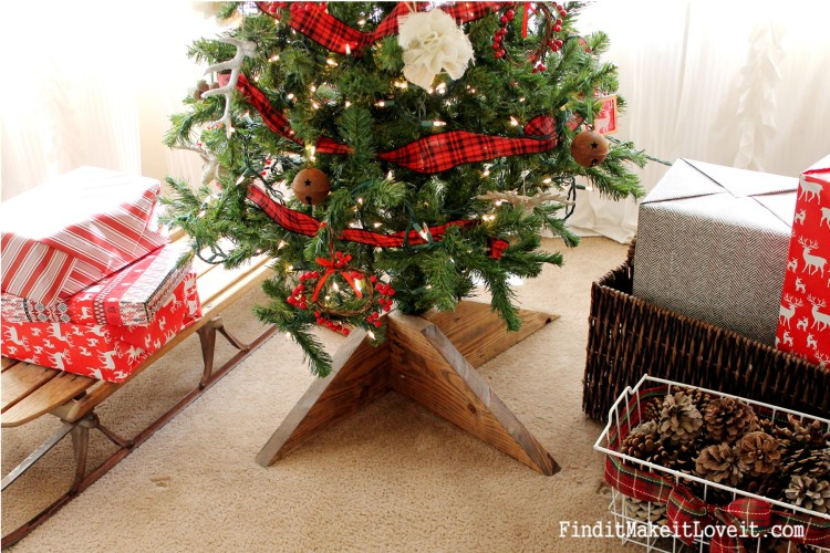 DIY Rustic tree star and tree stand (2)