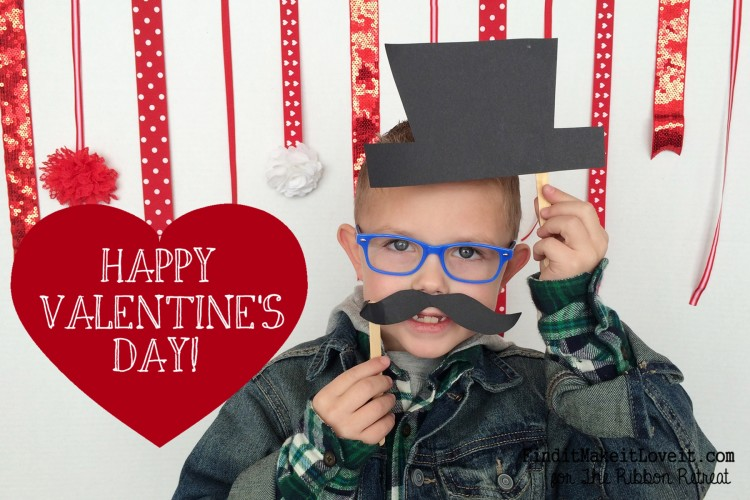 Easy DIY Valentine cards using photos and a DIY backdrop