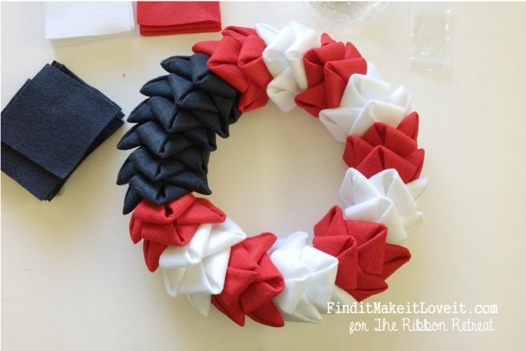 patriotic felt petal wreath (7)