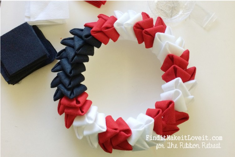 patriotic felt petal wreath (8)