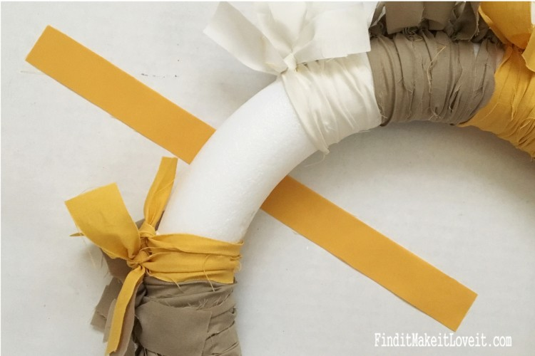 How to tie a fabric rag wreath