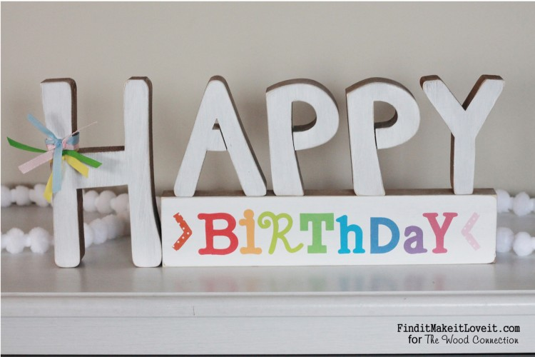 Reversible Happy Birthday Sign, it says Happy Valentine's day on the other side. A perfect way to make the most of a craft project!