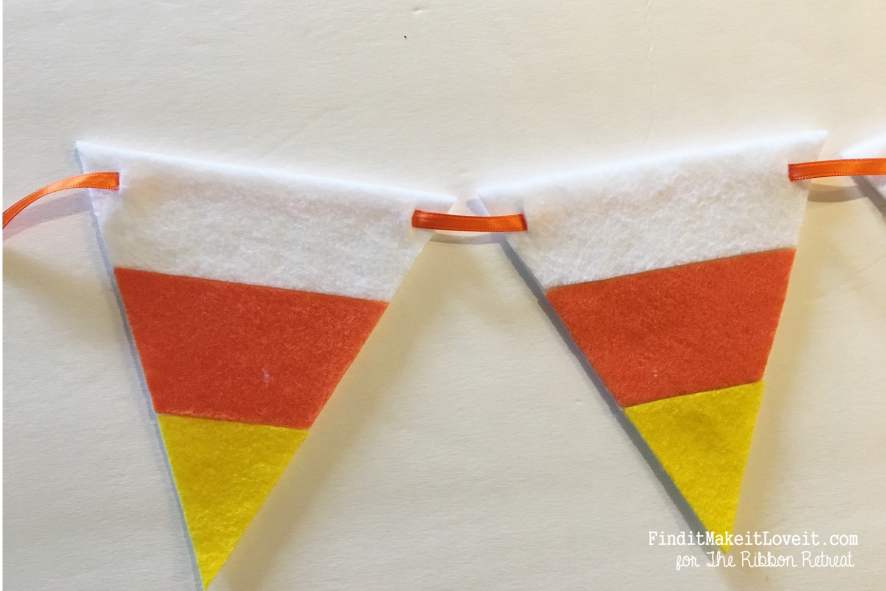no-sew-candy-corn-banner-2