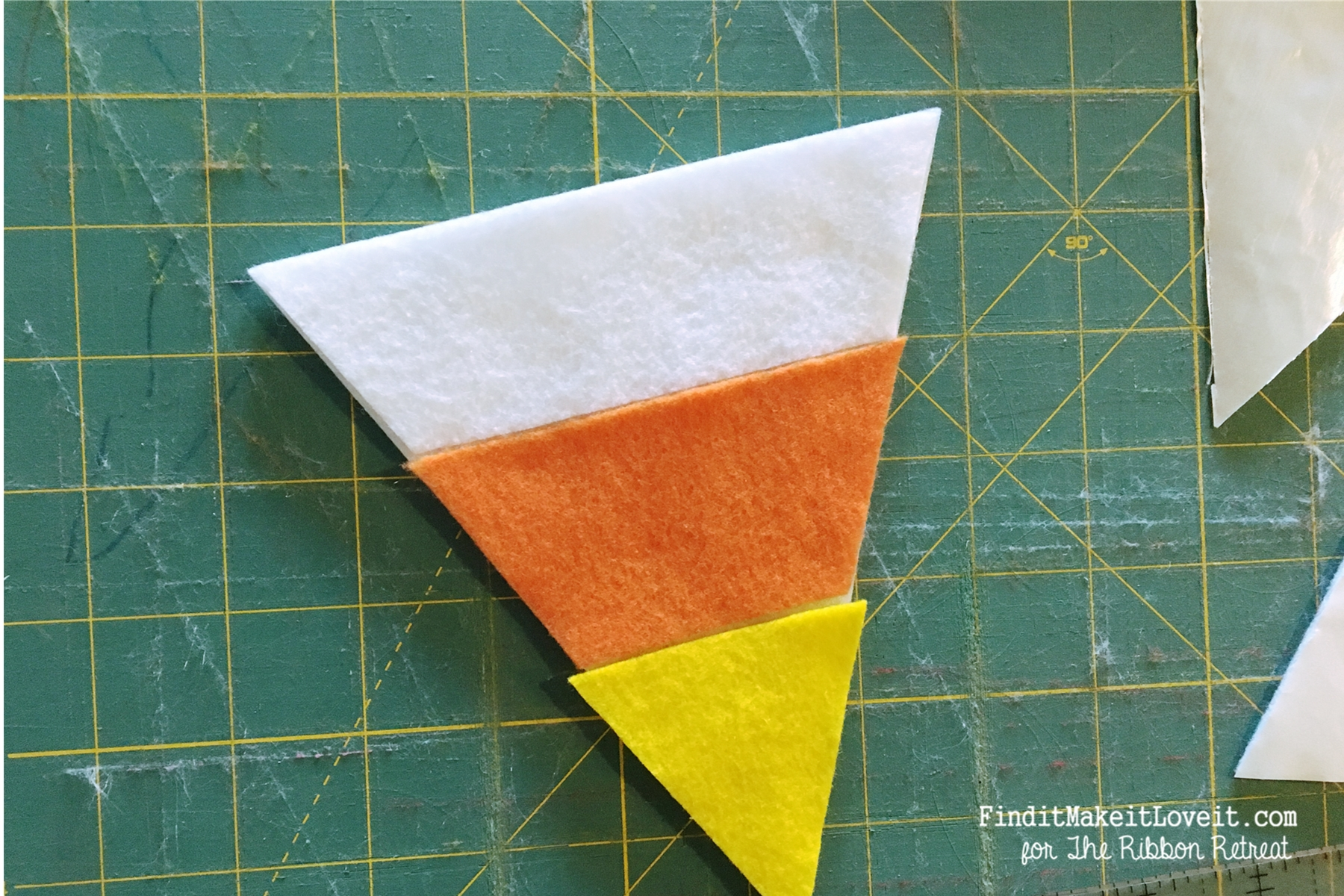 no-sew-candy-corn-banner-6