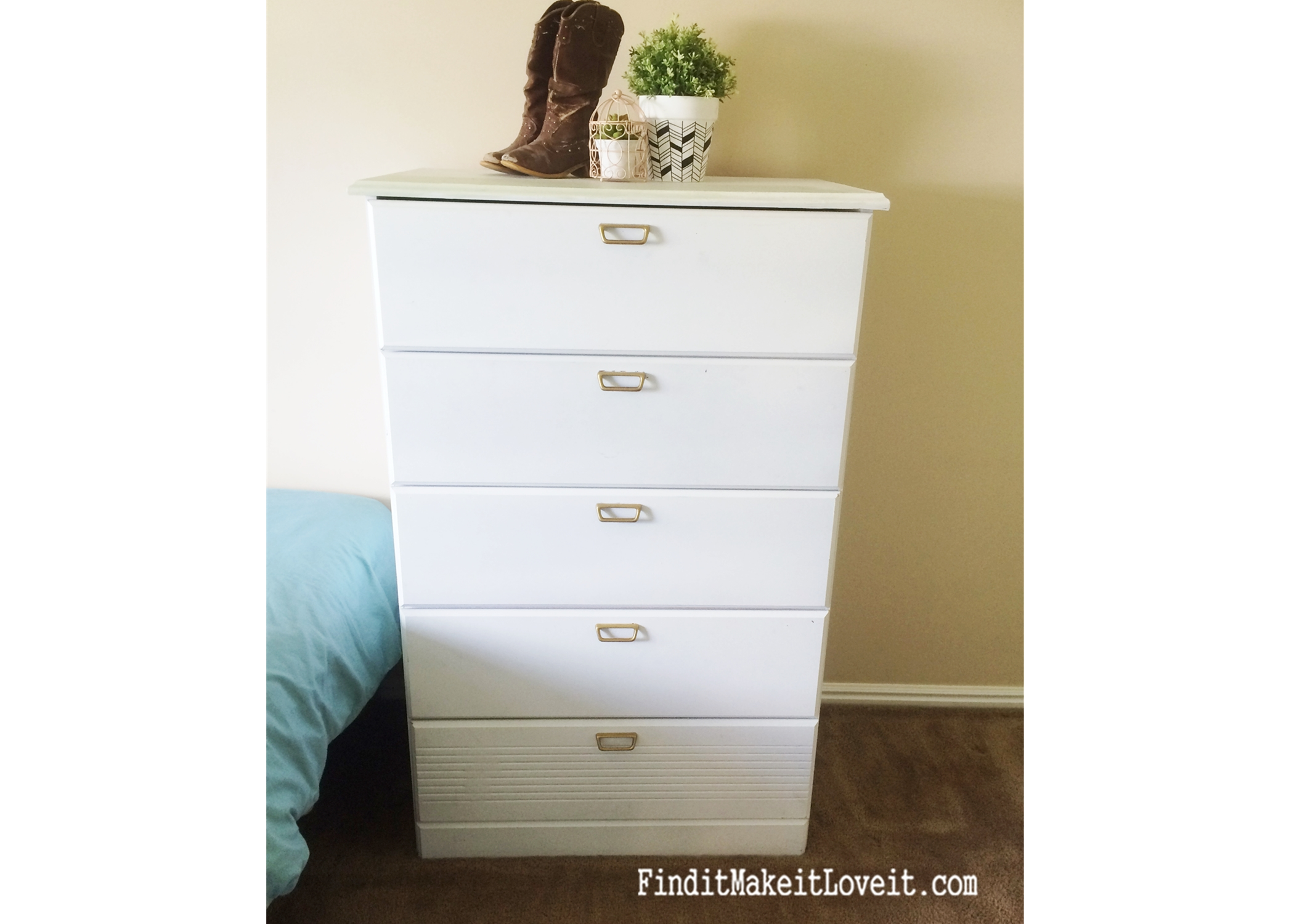 white-dresser-prime-paint-seal